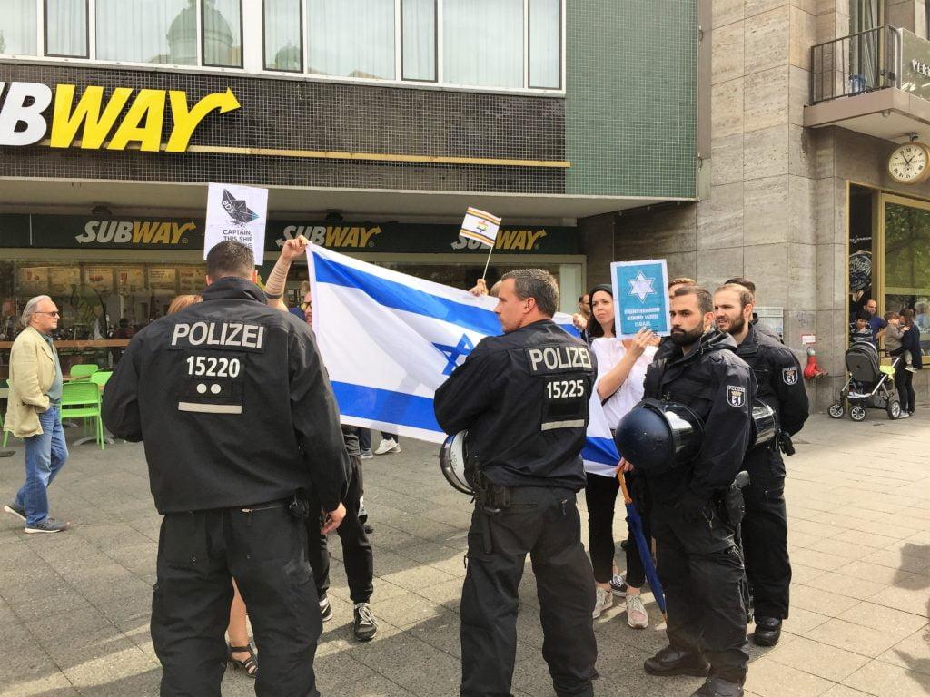 Migranten Bei Der Polizei
