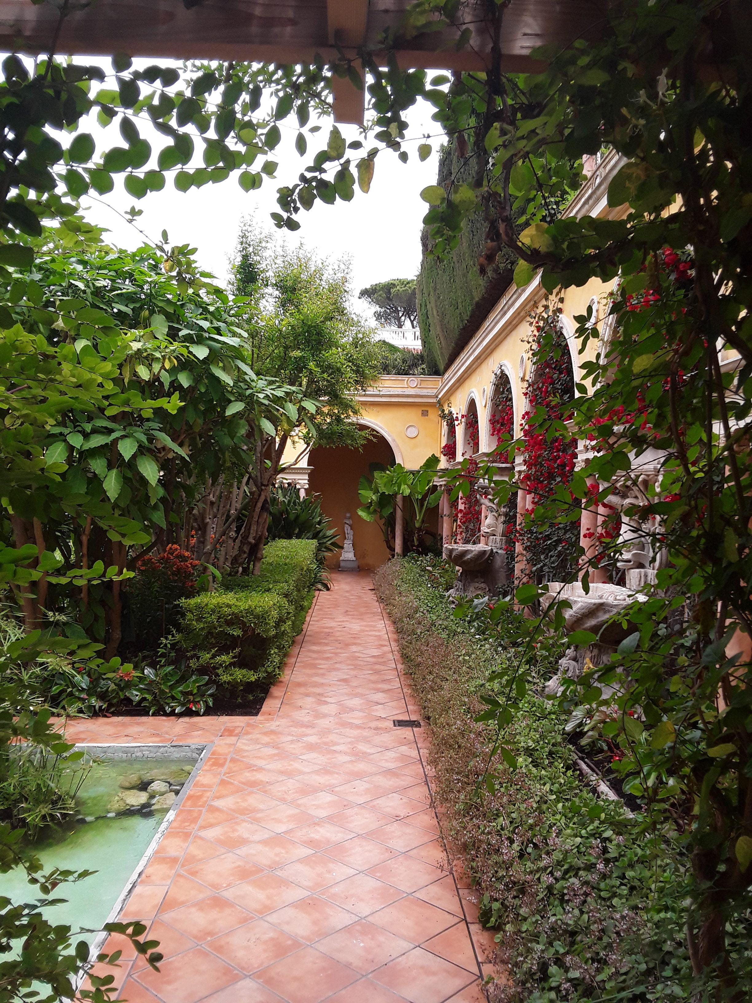 Villa Rothschild: Einladung zum Spaziergang