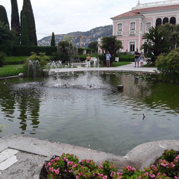 Villa Rothschild: Der Teich