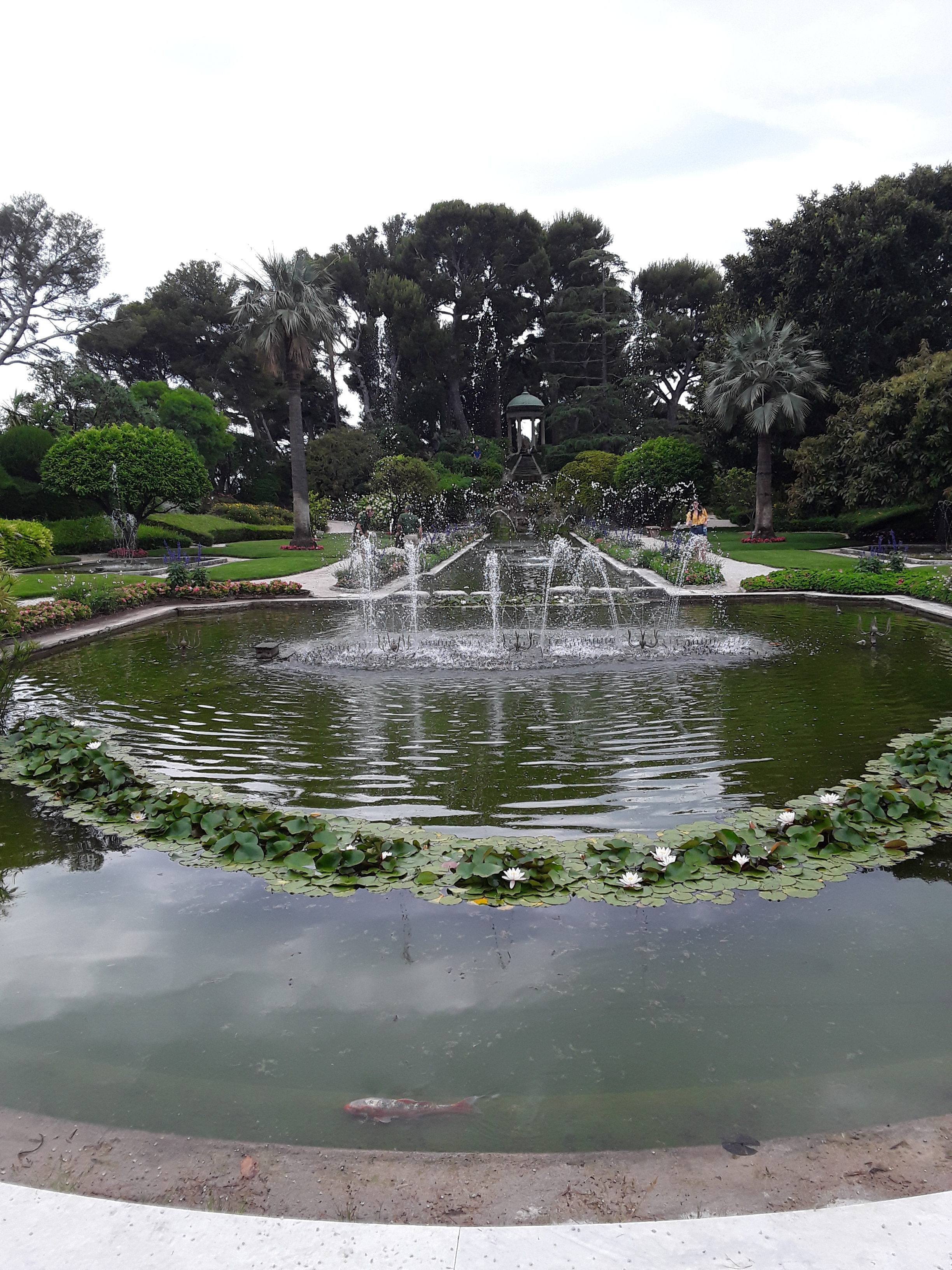 Villa Rothschild: der Springbrunnen