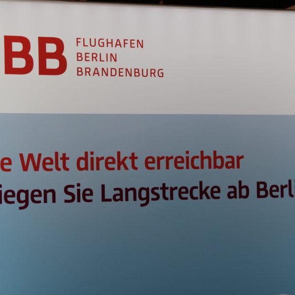 Die Berliner Flughäfen versuchen sich in Comedy