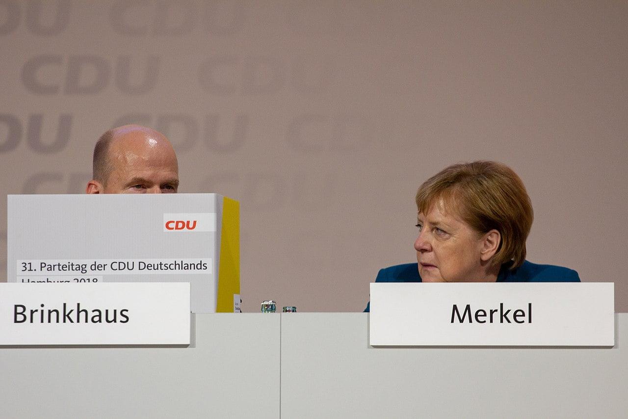 https://philosophia-perennis.com/wp-content/uploads/2021/04/1280px-2018-12-07_Angela_Merkel_CDU_Pateitag_in_Hamburg-2588.jpg